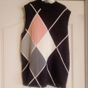 Liz Claiborne Sleeveless turtleneck sweater